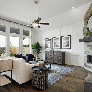 San Antonio, Texas | Gruenefield - Classic Tulane Living Room