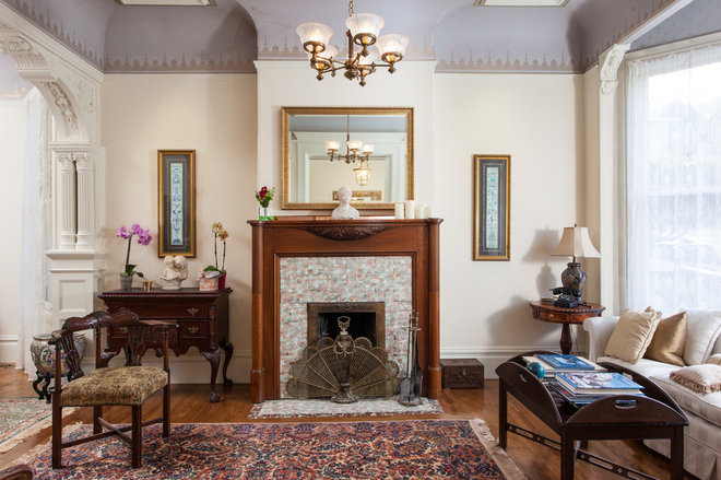 Traditional Living Room by Peter Lyons Photography