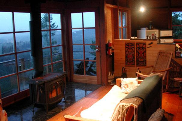 Eclectic Living Room by David Vandervort Architects