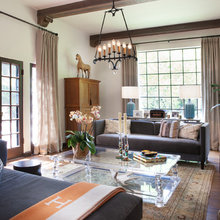 Houzz Tour: A Mix of Modern and Spanish-Inspired Decor