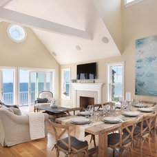Beach Style Living Room by Davitt Design Build, Inc.