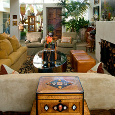 Eclectic Living Room by Architerior