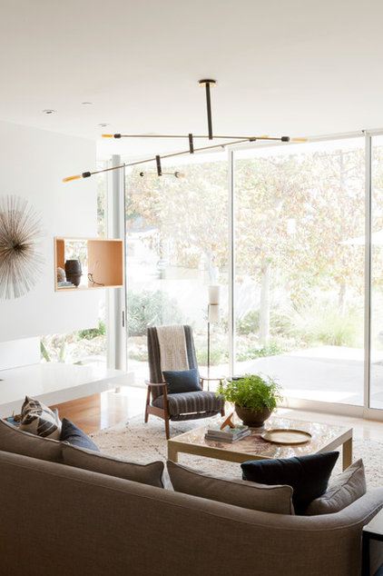 Modern Living Room by DISC Interiors