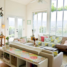 Farmhouse Living Room by Going Home To Roost