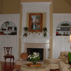 Traditional Living Room by Dream With Jeannie