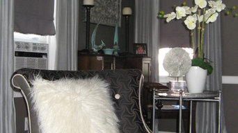 Savvy monochromatjc living room
