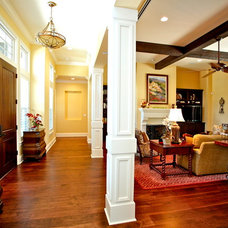 Traditional Living Room by Lendry Homes
