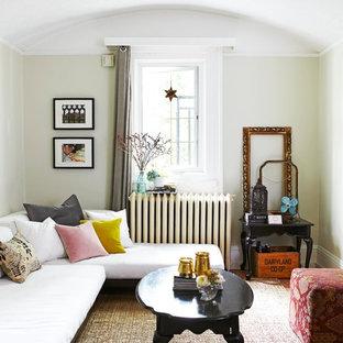 Immagine di un piccolo soggiorno scandinavo