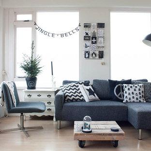 Idee per un soggiorno scandinavo con pareti bianche, nessun camino e nessuna TV