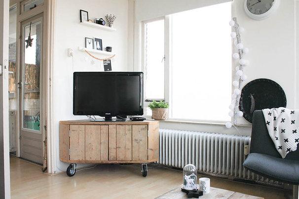 salon comment installer son t l viseur dans un angle. Black Bedroom Furniture Sets. Home Design Ideas