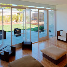 Contemporary Living Room by Ehrlich Architects