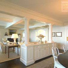 Traditional Living Room by Lewis & Weldon Custom Kitchens
