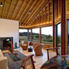 Rustic Living Room by Turnbull Griffin Haesloop