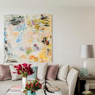 ボストンの広いコンテンポラリースタイルのおしゃれなLDK (フォーマル、白い壁、濃色無垢フローリング、横長型暖炉、木材の暖炉まわり、内蔵型テレビ) の写真