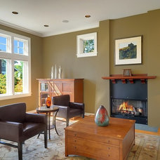 Craftsman Living Room by Seattle Staged to Sell and Design LLC
