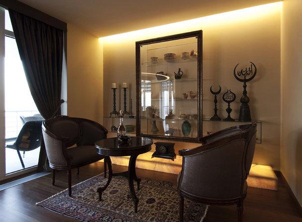 Traditional Living Room by Neslihan Pekcan/Pebbledesign