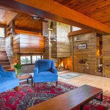 Rustic Living Room by Scott Christopher Homes/Surpass Renovations