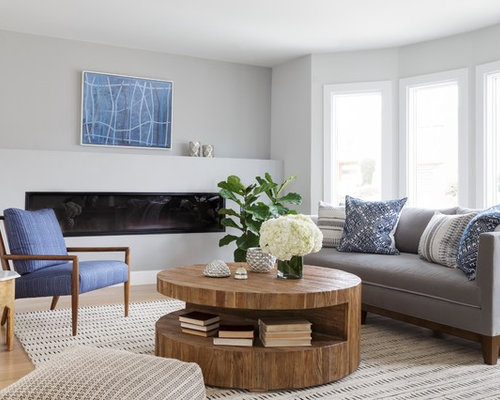 Mid sized living room design ideas remodels photos for Medium sized living room