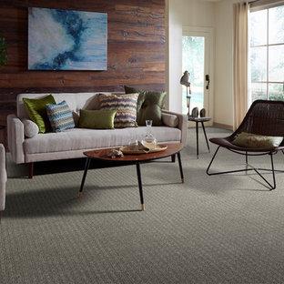 トロントの中サイズのトランジショナルスタイルのおしゃれな独立型リビング (フォーマル、マルチカラーの壁、カーペット敷き、標準型暖炉、テレビなし、緑の床) の写真