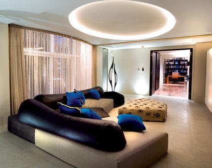 Modern Family Room SHH
