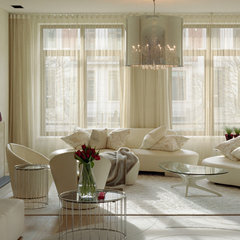 modern living room by SHH - Spence, Harris, Hogan Associates
