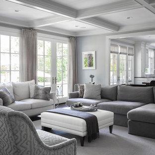 Idéer för mycket stora vintage allrum med öppen planlösning, med ett finrum, grå väggar och mörkt trägolv