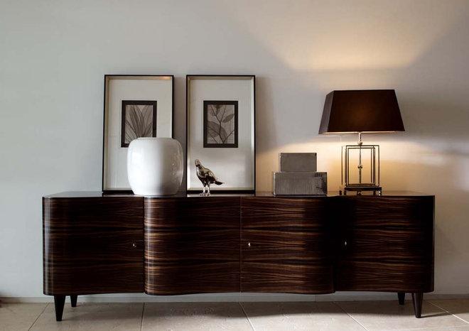 Traditional Living Room by usona
