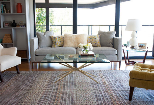 The beauty of contrast traditional rugs in contemporary for Modern living room persian rug