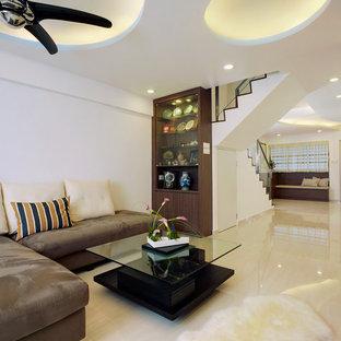 Ispirazione per un piccolo soggiorno etnico aperto con sala formale, pareti bianche, pavimento in gres porcellanato e TV autoportante