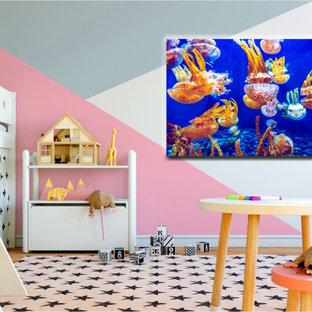 マイアミの大きいトロピカルスタイルのおしゃれなLDKの写真
