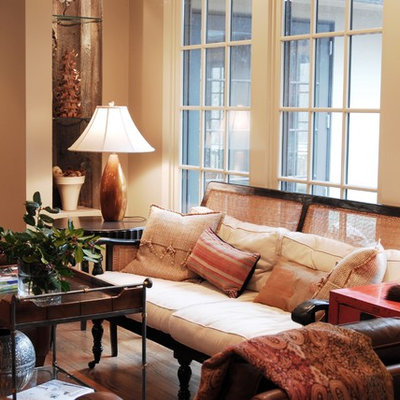 Inspiration for a timeless living room remodel in Birmingham with beige walls