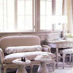 traditional living room by Liz Williams Interiors
