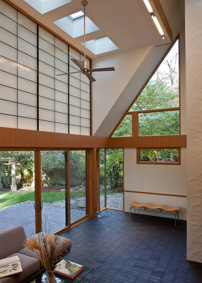 Modern Living Room by Gardner Architects LLC