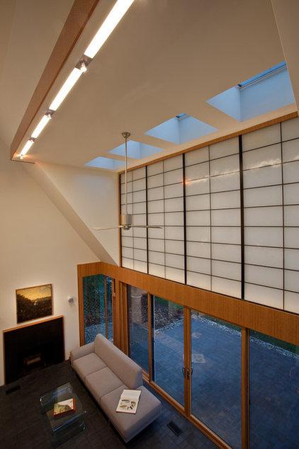 Modern Living Room by Gardner Mohr Architects LLC