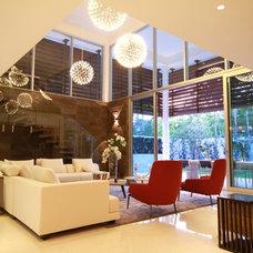 Contemporary Living Room by Selman & Asociados Arquitectura