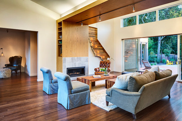 Contemporary Living Room by Blu Homes
