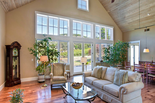 Traditional Living Room by Wine Country Builders, Inc.