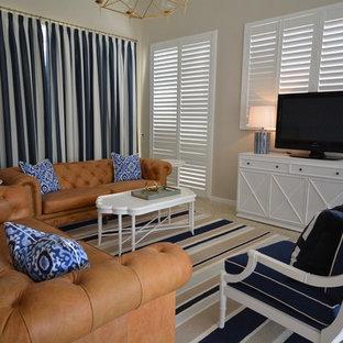 メルボルンの中サイズのビーチスタイルのおしゃれなLDK (据え置き型テレビ、ベージュの壁、コンクリートの床、ベージュの床) の写真