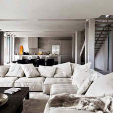 Contemporary Living Room by Robert Mills Architects and Interior Designers