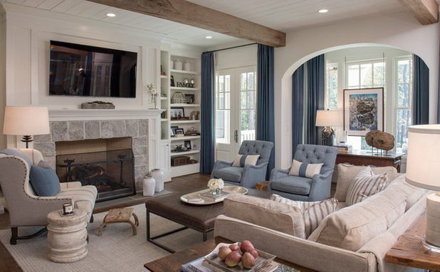 Traditional Living Room by Tom Williams Residential, Inc.