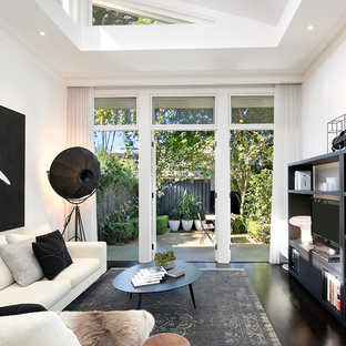 Space, light & designer luxury in Annandale