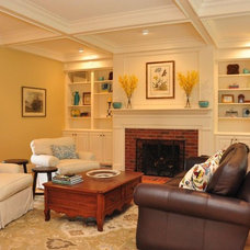Traditional Living Room by Spaces by LLG