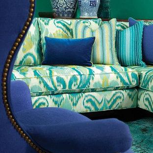 Foto di un soggiorno stile marinaro di medie dimensioni e aperto con pareti verdi, moquette e nessun camino