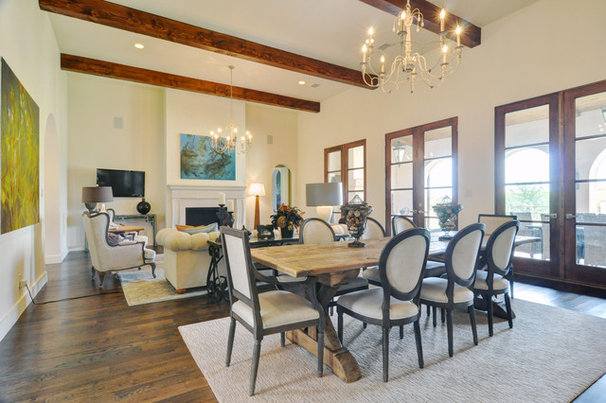 Modern Living Room by Braswell Homes Inc