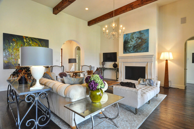 Modern Living Room by Braswell Homes Inc