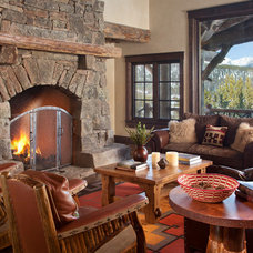 Rustic Living Room by Lohss Construction