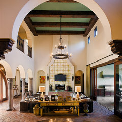 mediterranean living room by Vanguard Studio Inc.