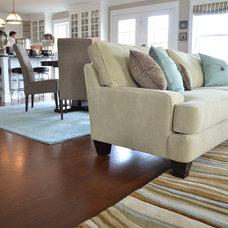 Traditional Living Room by angela adams