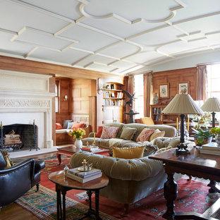 Foto di un soggiorno tradizionale con camino classico