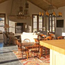 Farmhouse Living Room by Raumfabrik Architecture + Interiors